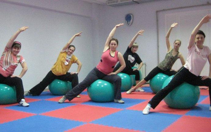 Гимнастический мяч: основные упражнения
