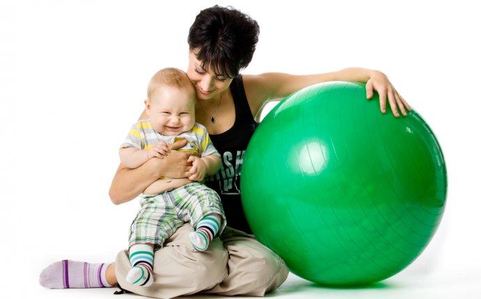 Упражнения на фитболе для беременных: занятия на мяче по